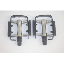 Wellgo MTB Alloy/Cromo Cage Bicycle Mountain Bike Pedals - 9/16
